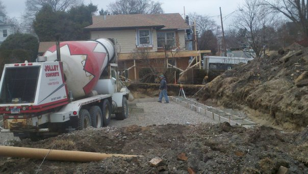http://www.mountfordconcreteforms.com/wp-content/uploads/2016/04/Footing.jpg